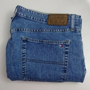 Tommy Hilfiger men jeans relaxed fit size 38 X 30